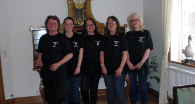 """Tack """"Arbetsprofilen"""" i Norrtälje för våra fina nya RoslagsBlomme-tröjor!"""